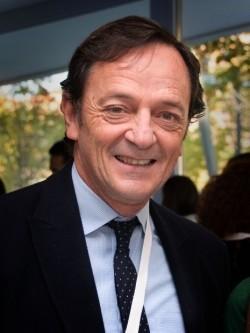 Dr. Máximo Vento